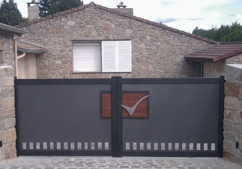Portail aluminium battant ou coulissant électrique motorisé Avignon Vaucluse Le Pontet